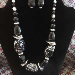 In Good Glazes - Black Necklace and Earrings set